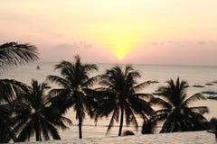 Boracay solnedgångsikt på oändlighetspölen Arkivbilder