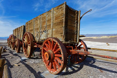 Borax Works Trailers. Trailers that used to be pulled by mule teams to  carry borax from the mines in what is now Death Valley National Park, to market Stock Photos