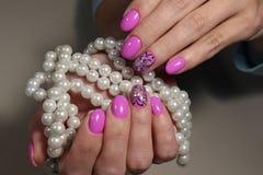 Borboleta cor-de-rosa do projeto do tratamento de mãos Imagens de Stock Royalty Free