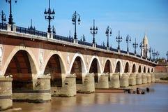 Bordéus, França; A ponte de pedra fotos de stock royalty free