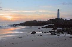 Bord de la mer avec le phare Photo libre de droits