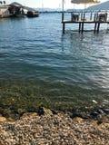 Bord de la mer de caillou dans Gocek Image stock