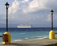 bord de la mer de Rhodes de promenade Image libre de droits