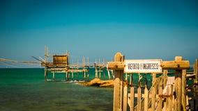 bord de la mer italien dans un jour d'été Images libres de droits
