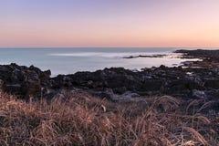 Bord de la mer de Jeju photographie stock libre de droits
