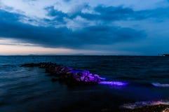 Bord de la mer magique après coucher du soleil avec princesse Islands On Horizon - Turquie Photos stock