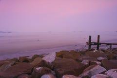 Bord de la mer rose Images libres de droits