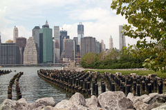 Bord de mer au stationnement New York de passerelle de Brooklyn Images stock