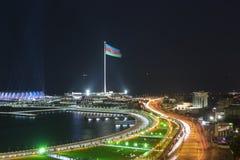 Bord de mer de Bakou la nuit Images stock