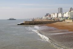 Bord de mer de Brighton. Le Sussex est. l'Angleterre photos stock