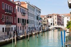 Bord de mer de canal Rio San Lorenzo à Venise Images libres de droits