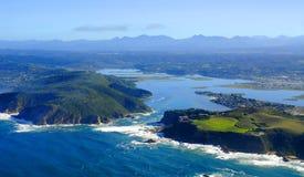 Bord de mer de Knysna dans l'itinéraire de jardin : Afrique du Sud photographie stock