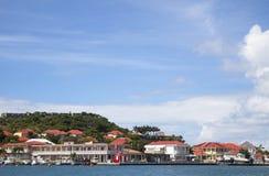 Bord de mer de port de Gustavia chez St Barts, Antilles françaises Photographie stock