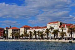 Bord de mer de vieille ville de fente, Croatie Photographie stock libre de droits