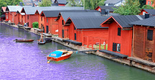 bord de mer de village de pêche images libres de droits