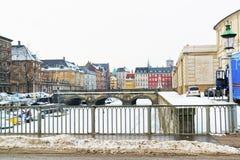 Bord de mer et ponts à Copenhague au Danemark en hiver Photos stock