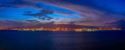 Bord de mer de George Town la nuit photographie stock