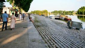 Bord de mer de la Loire dans la ville d'Orléans photos stock