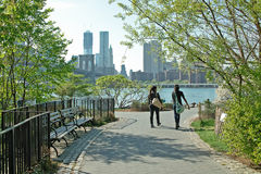 Bord de mer New York City de stationnement de passerelle de Brooklyn Photo stock