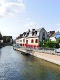 Bord de mer sur la rue d'Engoulvent dans la ville d'Amiens Image stock
