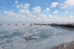 Bord du lac figé Image stock