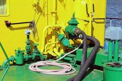 Bord du navire jaune et vert Images stock
