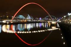 Bord du quai de Newcastle la nuit Photographie stock libre de droits
