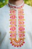 Bordado o ornamento do russo em um colar Imagem de Stock