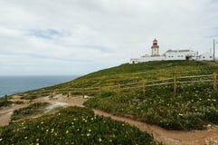 Borde Cabo DA Roca, Portugal de los acantilados fotografía de archivo