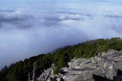 Borde de la montaña Fotos de archivo libres de regalías