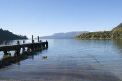 Borde escénico del lago. fotos de archivo