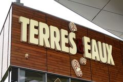 Bordeaux , Aquitaine / France - 02 21 2020 : terres et eaux logo sign store French chain of ecologist and traveler shop nature