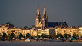 BORDEAUX/FRANCE - 9月19日:横跨河加龙河t的看法 免版税图库摄影
