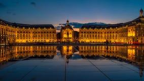 BORDEAUX/FRANCE - SEPTEMBER 20: Miroir D ` Eau på stället de la Bou arkivbilder