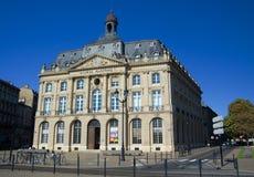 BORDEAUX, FRANCIA - 6 SETTEMBRE 2015: La Borsa marittima è in Bordeaux, Francia, settembre 2015 Fotografie Stock