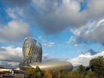 BORDEAUX, GIRONDE/FRANCE - 18. SEPTEMBER: Ansicht von La Cite du Vin lizenzfreie stockfotos