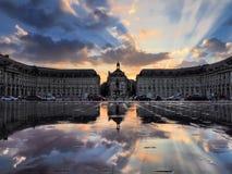 BORDEAUX GIRONDE/FRANCE - SEPTEMBER 20: Miroir d'Eau på stället Royaltyfri Foto