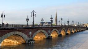 BORDEAUX GIRONDE/FRANCE - SEPTEMBER 19: Pont de Pierre Spannin Arkivfoto