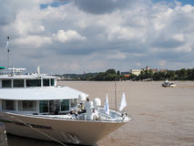 BORDEAUX, GIRONDE/FRANCE - SEPTEMBER 20 : Tourist Boat Moored on Royalty Free Stock Images