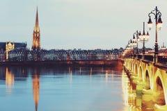 Bordeaux nachts Stockfoto