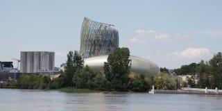 Bordeaux Nouvelle aquitaine/Frankrike - 06 20 2018: Citera du Vin är ett museum såväl som ett ställe av utställningar Royaltyfri Fotografi
