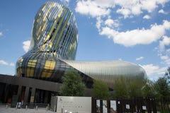 Bordeaux Nouvelle aquitaine/Frankrike - 06 20 2018: La Citera du Vin är en unik kulturell lätthet som är hängiven till universale Royaltyfria Foton