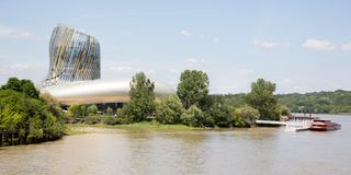 Bordeaux Nouvelle aquitaine/Frankrike - 06 20 2018: nytt citera du Vin i Bordeaux är wina för internationalen för världs` s först Arkivbild