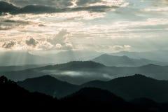 Bordee la luz y la luz de Sun en Mountain View de Chaingmai del atasco de lunes Fotos de archivo