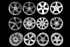 Bordes de aluminio de la rueda de coche aislados foto de archivo