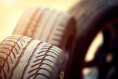 Bordes y neumático mojados de los deportes Imágenes de archivo libres de regalías