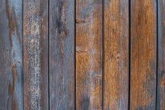 Bordi di legno anziani con vecchia pittura blu misera immagine stock