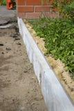 Bordi utilizzati nella riparazione del sentiero per pedoni Fotografie Stock