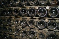 Bordlägga gamla flaskor Royaltyfria Foton