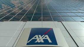 Bordo del contrassegno con il logo di AXA Facciata moderna dell'edificio per uffici Rappresentazione editoriale 3D Fotografia Stock Libera da Diritti
